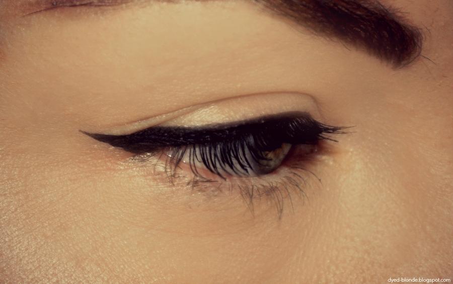 kreska eyelinerem
