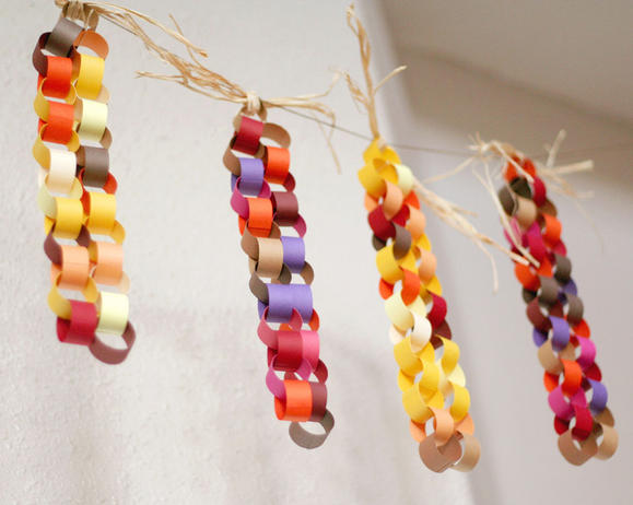 Thanksgiving garland craft to do with the kids