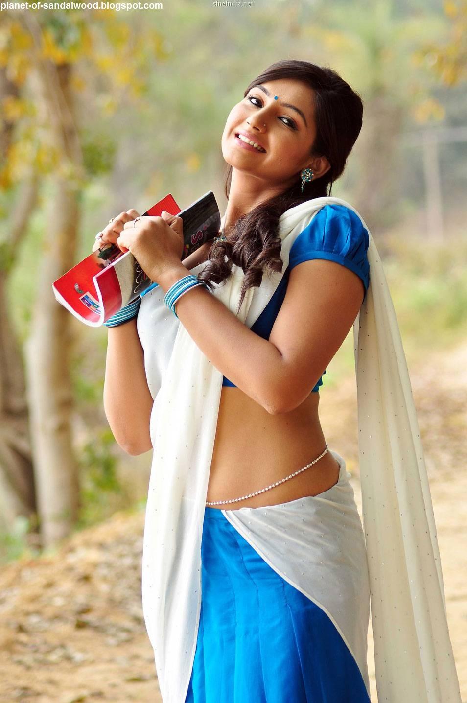 Sandalwood Cine Gallery: Ragini dwivedi Hot Navel Expose ...