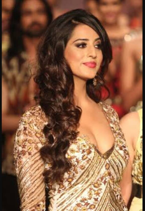 Mahie Gill Wiki Biography and total films