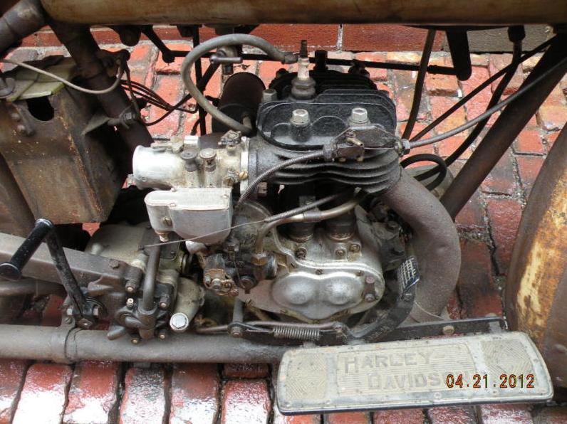 1928 Harley Davidson Single B Model Flathead - Rusty
