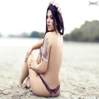 Petra-Mattar-mostra-as-suas-tatuagens