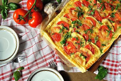 406. Bardzo prosta tarta caprese, z pomidorami i mozzarellą