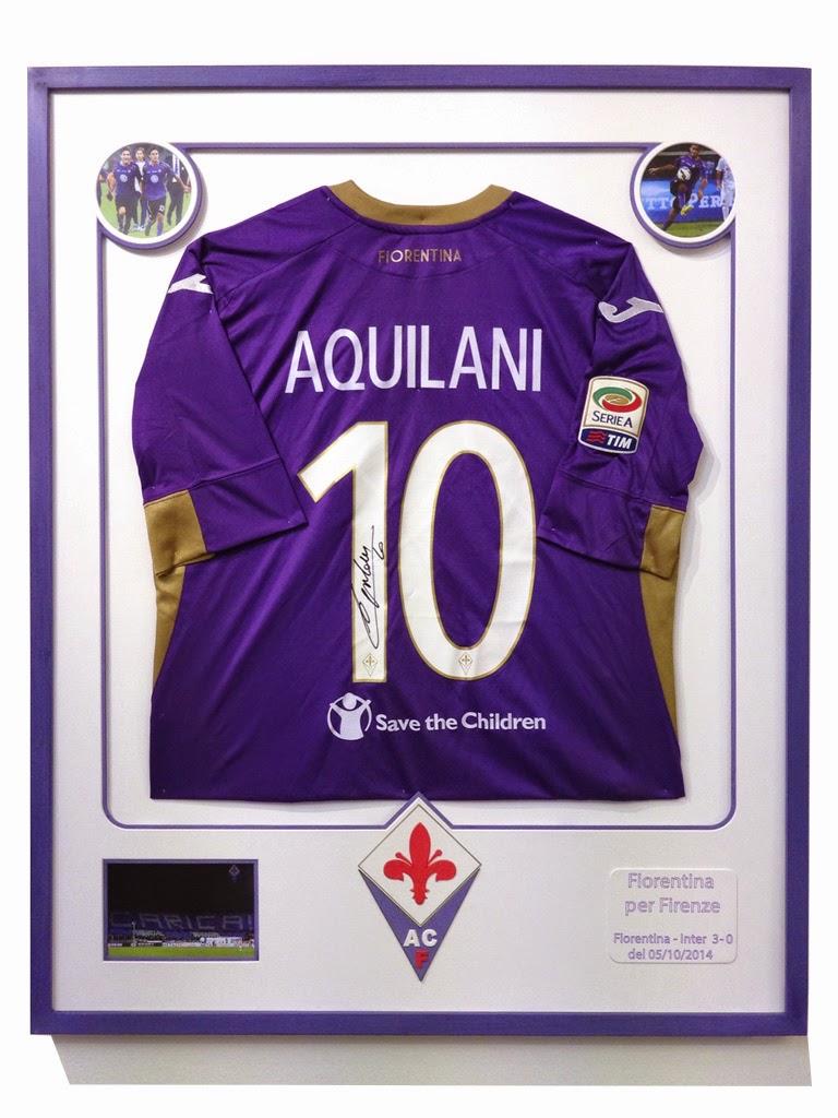 def0ceaa3705a8 Nuovo design per un maglia di calcio. Si trata della maglia di Alberto  Aquilani, indossata durante la partita Fiorentina - Inter nella stagione  2014 - 2015.