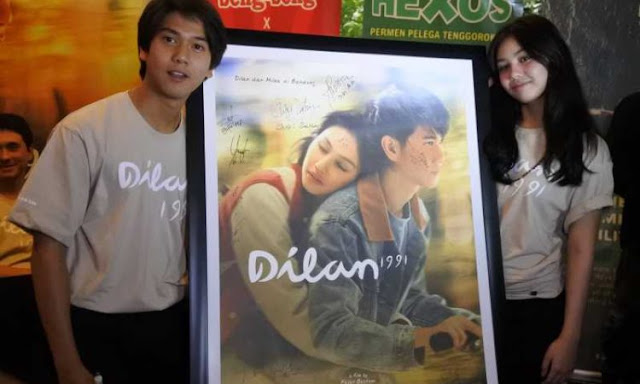 melanjutkan cerita dari film sebelumnya dilan 1990 mengisahkan perjalanan kisah cinta mereka