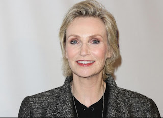 'Jane Lynch' Age, Biography, Bio, Wiki, Height, Weight, Shows, Net Worth, Album