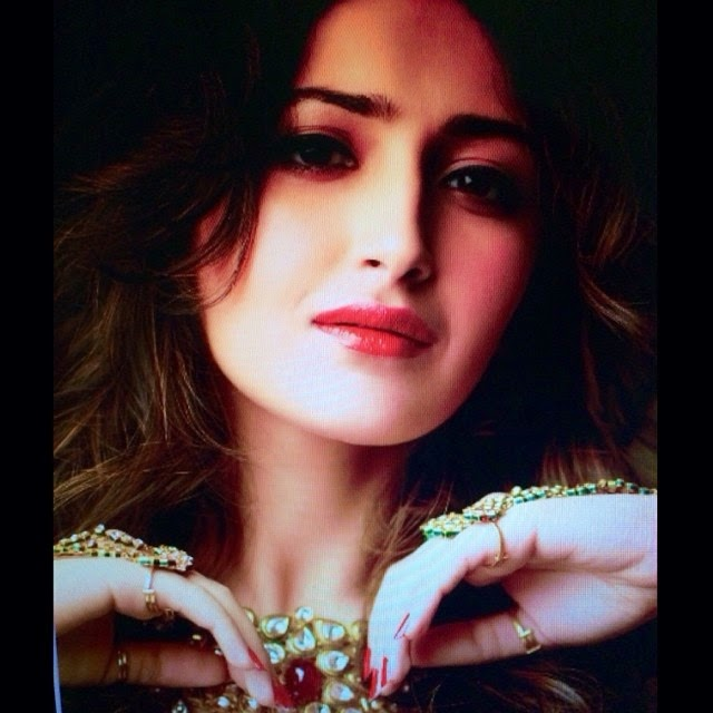 guess whats on my mind!! photoshoot , indian , red ,, Actress Sayesha Saigal Hot Face Close Up Pics, Selfie Images