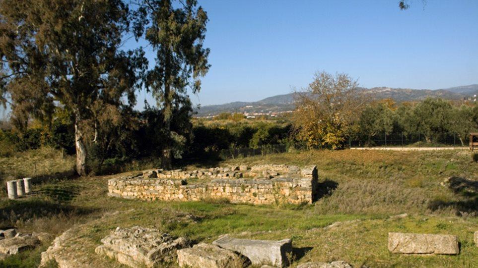 Σπάρτη: Ανήλικος τσιγγάνος «ρήμαξε» αυτοκίνητο τουριστών σε αρχαιολογικό χώρο