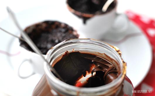 Tassenkuchen aus der Mikrowelle mit Nutella