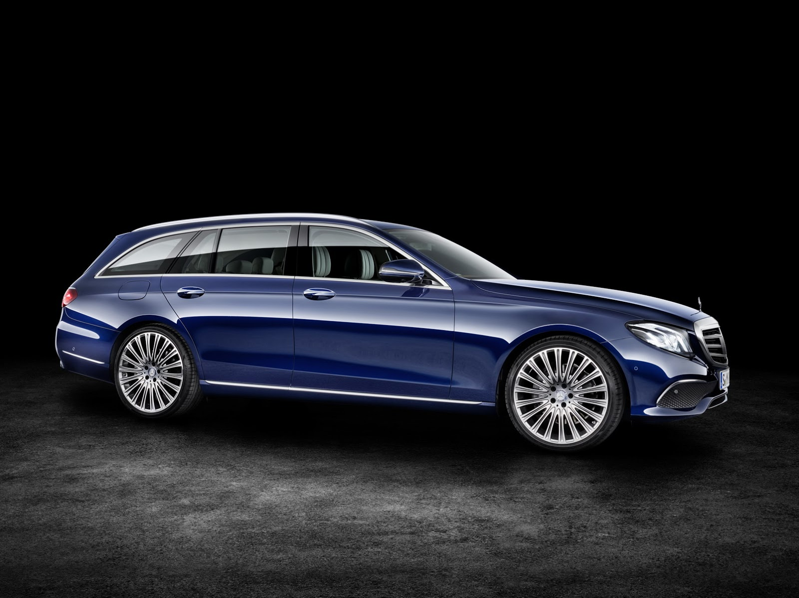 new 2017 mercedes benz e class estate unveiled gets 396hp. Black Bedroom Furniture Sets. Home Design Ideas