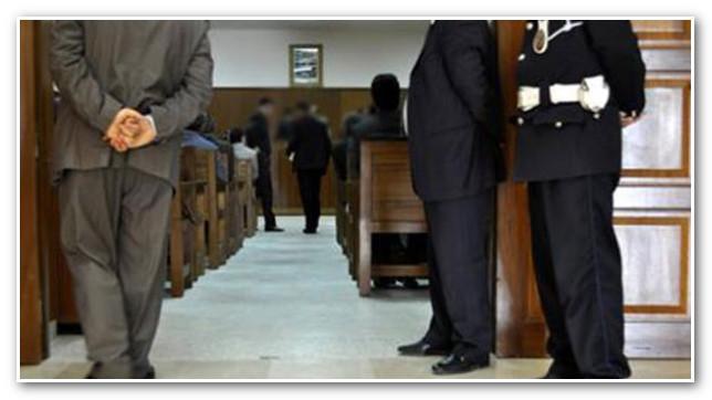 ابتدائية أكادير توزع 19 سنة من الحبس النافذ في حق عسكري وإطار بنكي وبارون مخدرات