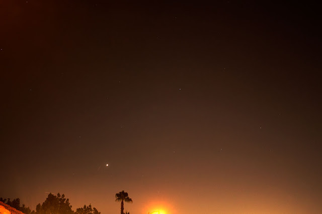 Venus approaching the horizon after sunset, with bright streetlight (Source: Palmia Observatory)