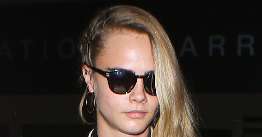 THE CANDIDS > 2016 > 12TH NOVEMBER > CARA ARRIVING AT LAX INTERNATIONAL AIRPORT IN LOS ANGELES/CALIFORNIA
