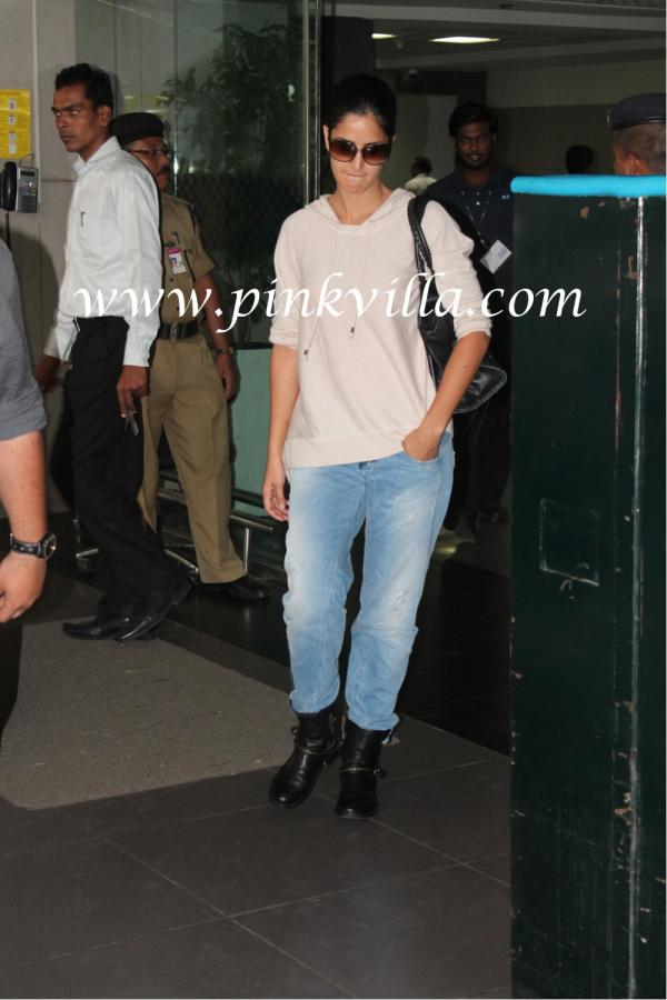 Katrina Is A Gorgeous Tomboy.- Rugged Jeans And A Loose ...