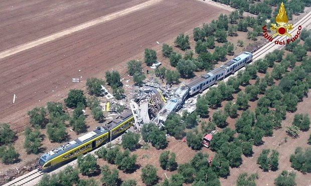Τραγωδία στην Ιταλία - Μετωπική σύγκρουση τρένων έξω από το Μπάρι - 20 νεκροί και δεκάδες τραυματίες