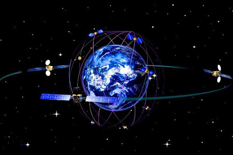 Dünyanın etrafında 32 etkin GPS uydusu bulunuyor, 24 tanesi esas uydudur diğer 8 tanesi yedek uydulardır.