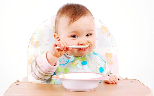 حفّزي-طفلك-على-تناول-أطعمة-مفيدة-بعد-الفــطام