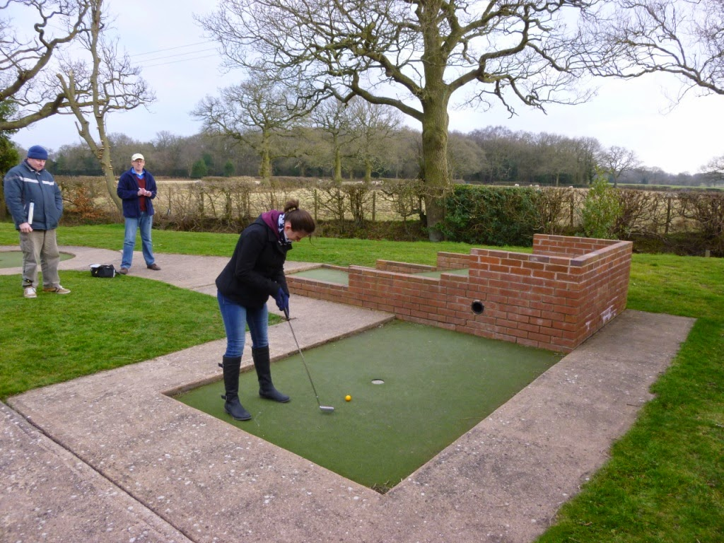Minigolfer Emily Gottfried playing on hole 11 at the Four Ashes Golf Centre in Dorridge