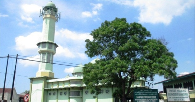 Yayasan ZII (Zending Islam Indonesia) yang didirikan oleh Haji Guru Kitab Sibarani berada di Jalan Sisingamangaraja No. 11 A Medan