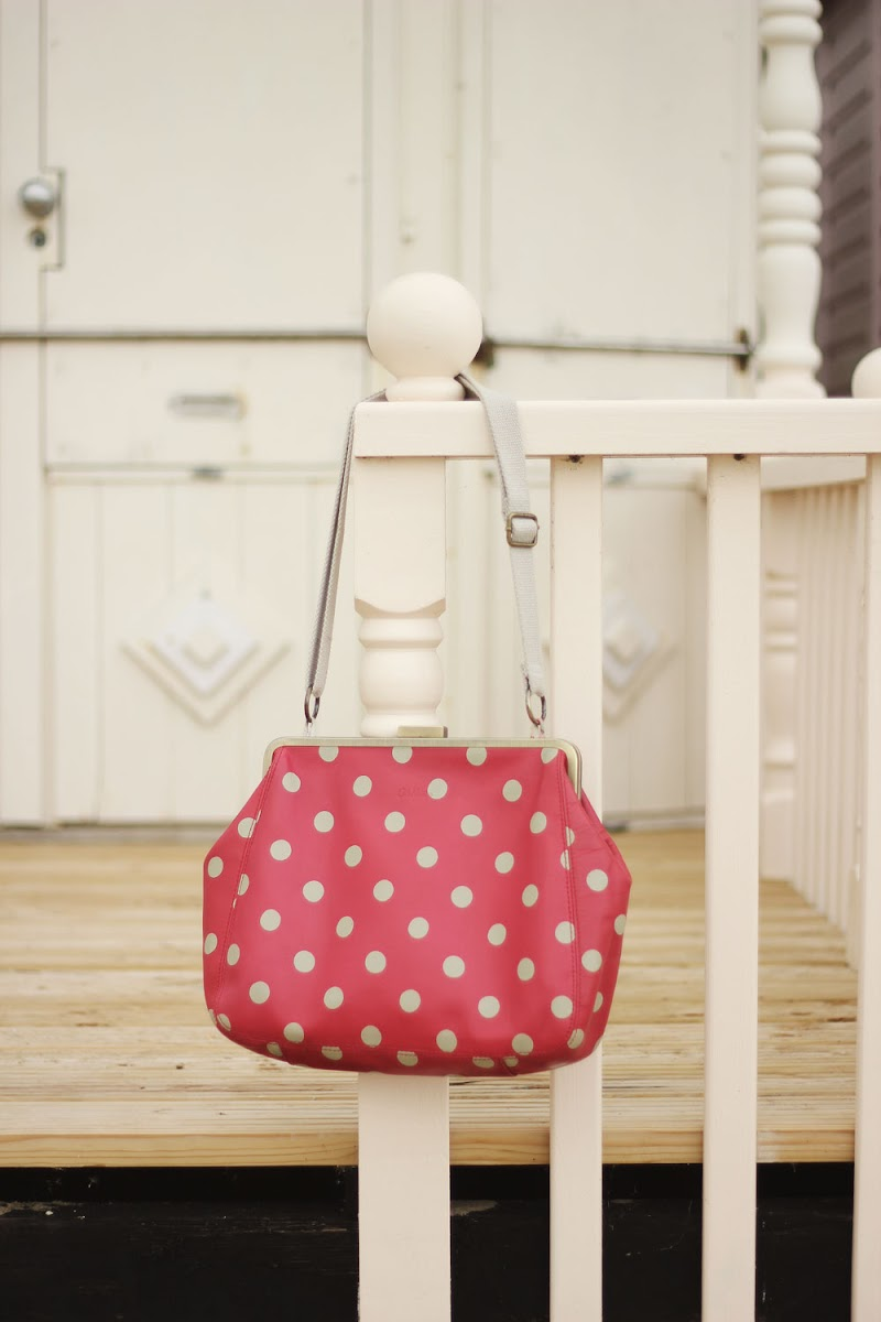 Cath Kidston red polka dot handbag | www.itscohen.co.uk