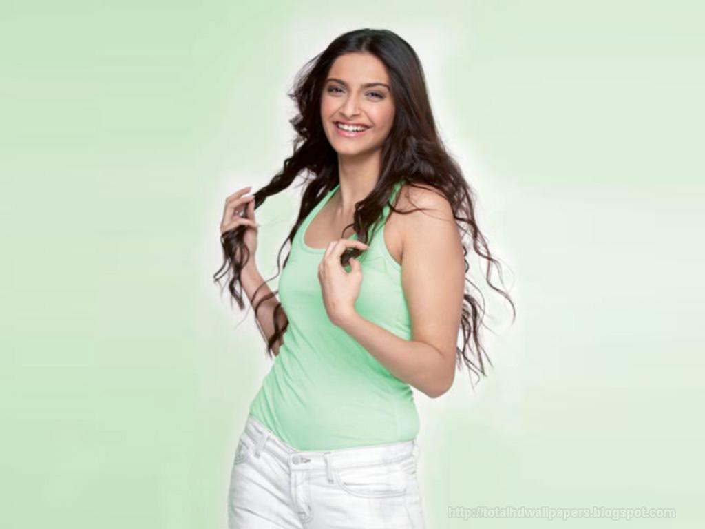 HD Wallpapers: Sonam Kapoor HD Wallpapers