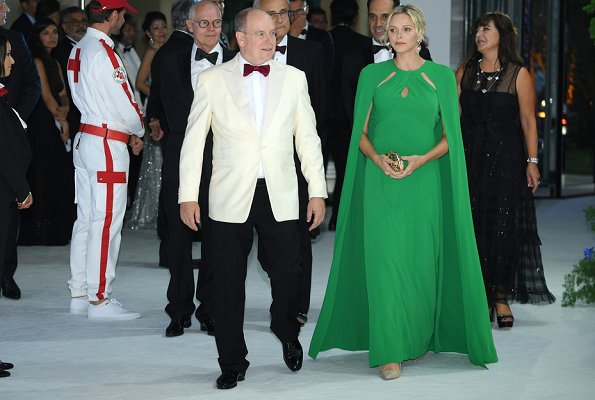 Princess Charlene wore a new green cape effect crepe gown by Marchesa. Princess Charlene wore Marchesa notte green cape effect crepe gown