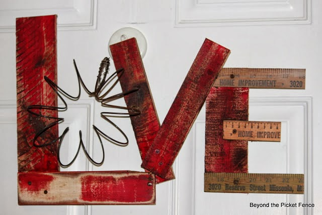 repurposed love sign choose love MLK http://bec4-beyondthepicketfence.blogspot.com/2014/01/choose-love.html