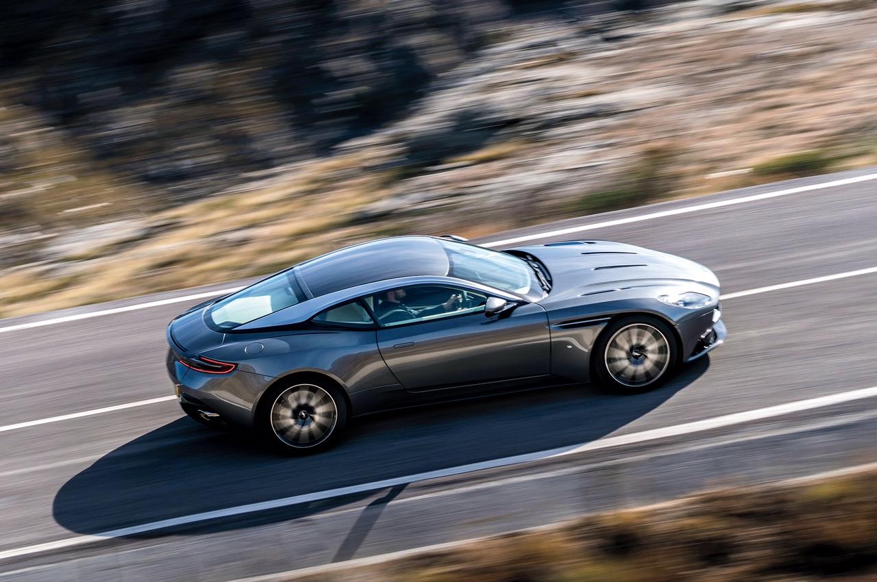 Chiêm ngưỡng siêu xe Aston Martin DB11 2017 chính thức