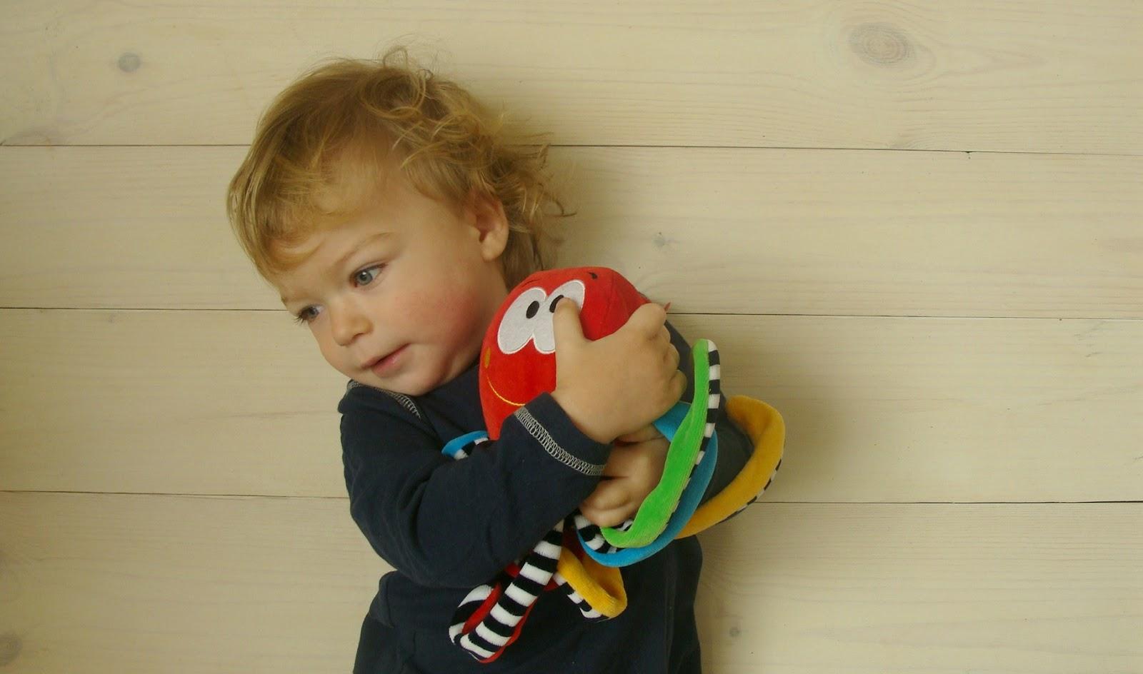 Regres u dziecka - czy i kiedy się martwić?, Hencz Toys, konkurs, ośmiornica z odgłosami prenatalnymi