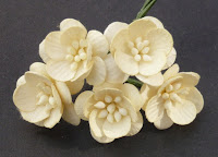 http://scrapcafe.pl/pl/p/Kwiaty-wisni-cream/1409