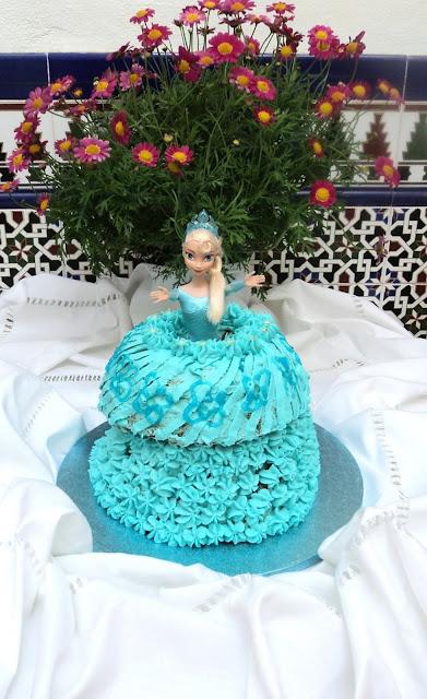 tarta-vestido-muñeca-frozen-entera