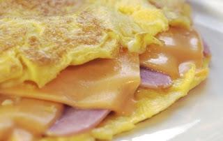 Como hacer omelette de jamón y queso