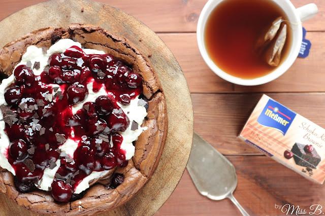 Zweierlei Schokoladen-Kirsch-Brownie [Meßmer Kuchentees]