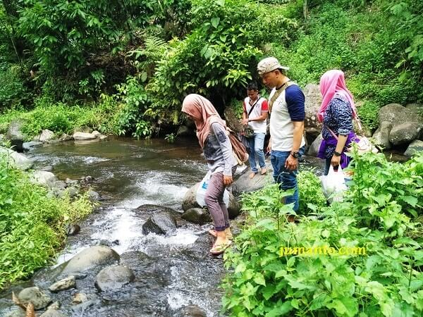 sungai aliran air terjun way jelay