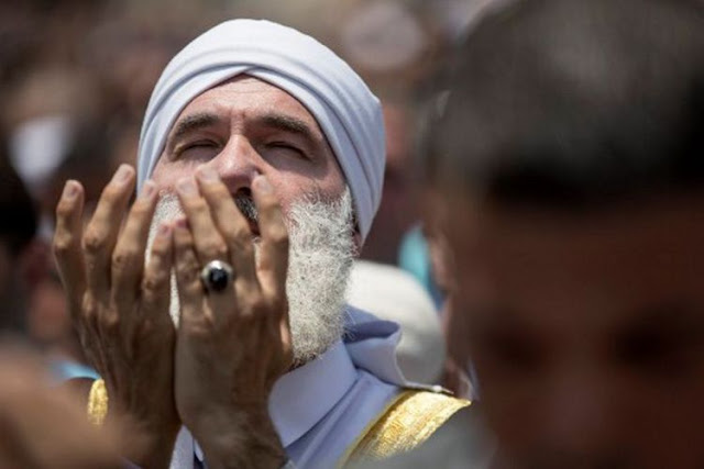 Alhamdulillah, Warga Palestina bisa kembali Beribadah di Masjid Al-Aqsa