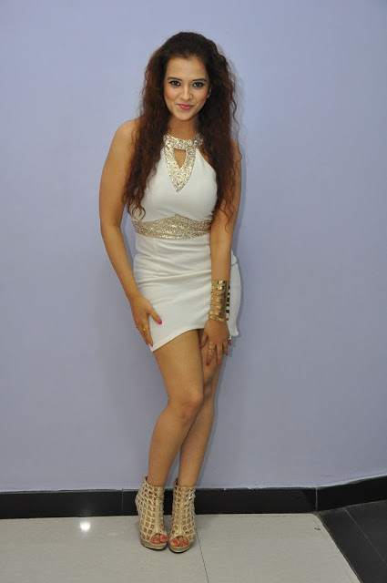 Actress Saloni Crazy Photos