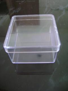 caixa acrílica de 7x7cm