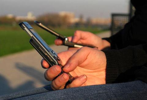 https://i0.wp.com/3.bp.blogspot.com/-47rDSiNGpiw/T9pQmn1Tt9I/AAAAAAAACGQ/73ZPY1qP8pQ/s1600/celular.jpg