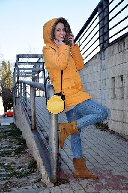Outfit-Parka-Mostaza-3