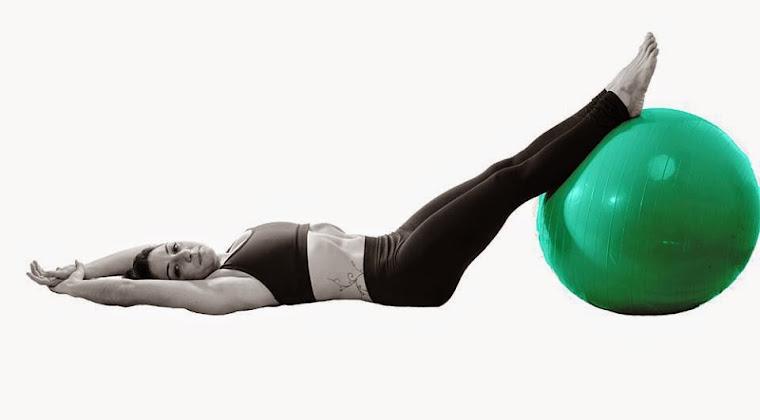 Pilates Adela con Fitball