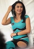 http://3.bp.blogspot.com/-489mc7zV4A8/UsbslFp99CI/AAAAAAAAAZQ/3d4C1jqg-D0/s1600/tyas-mirasih-694.jpg