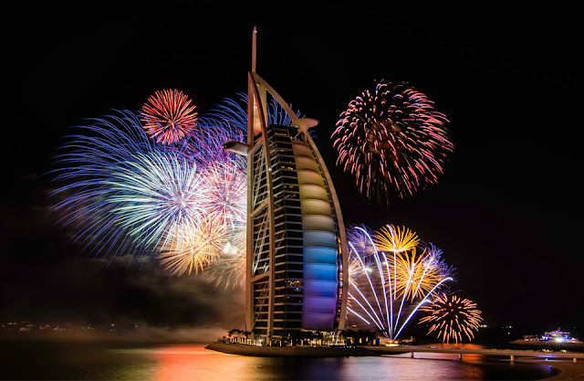 Sales, concerts and fireworks await you this weekend in Dubai