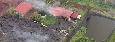 Lava del volcan kilauea alcanza las primeras casas del pueblo Pahoa, en Hawaii