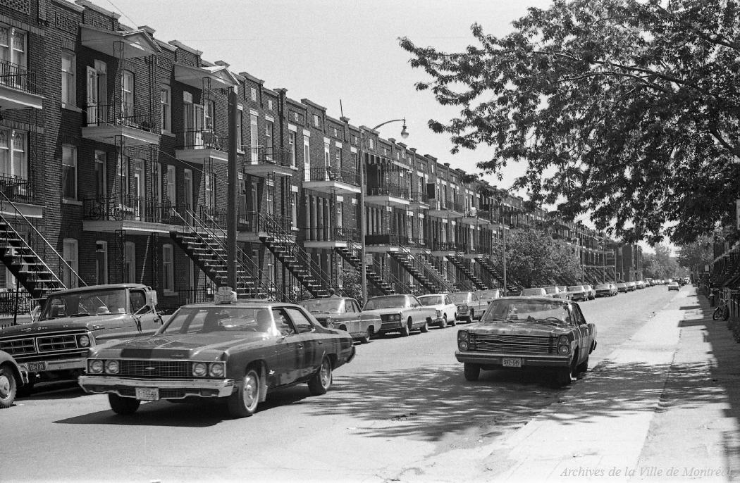 Montr al taxi blog taxi pontiac chevrolet 1973 - Piscine interieure verdun montreal toulouse ...