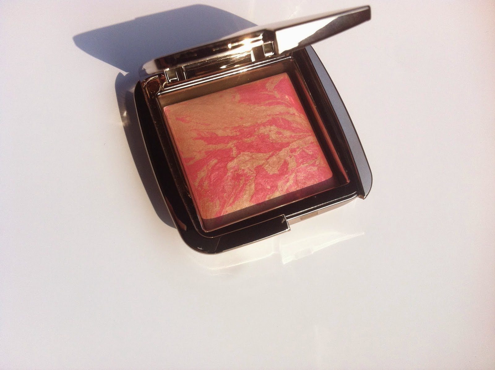hourglass cosmetics italia, ambient lighting blush review recensione, hourglass ambient lighting blush luminous flush swatch