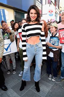 Kendall Jenner Spotted at Times Square without bra and Crop top WOW Hot Navel