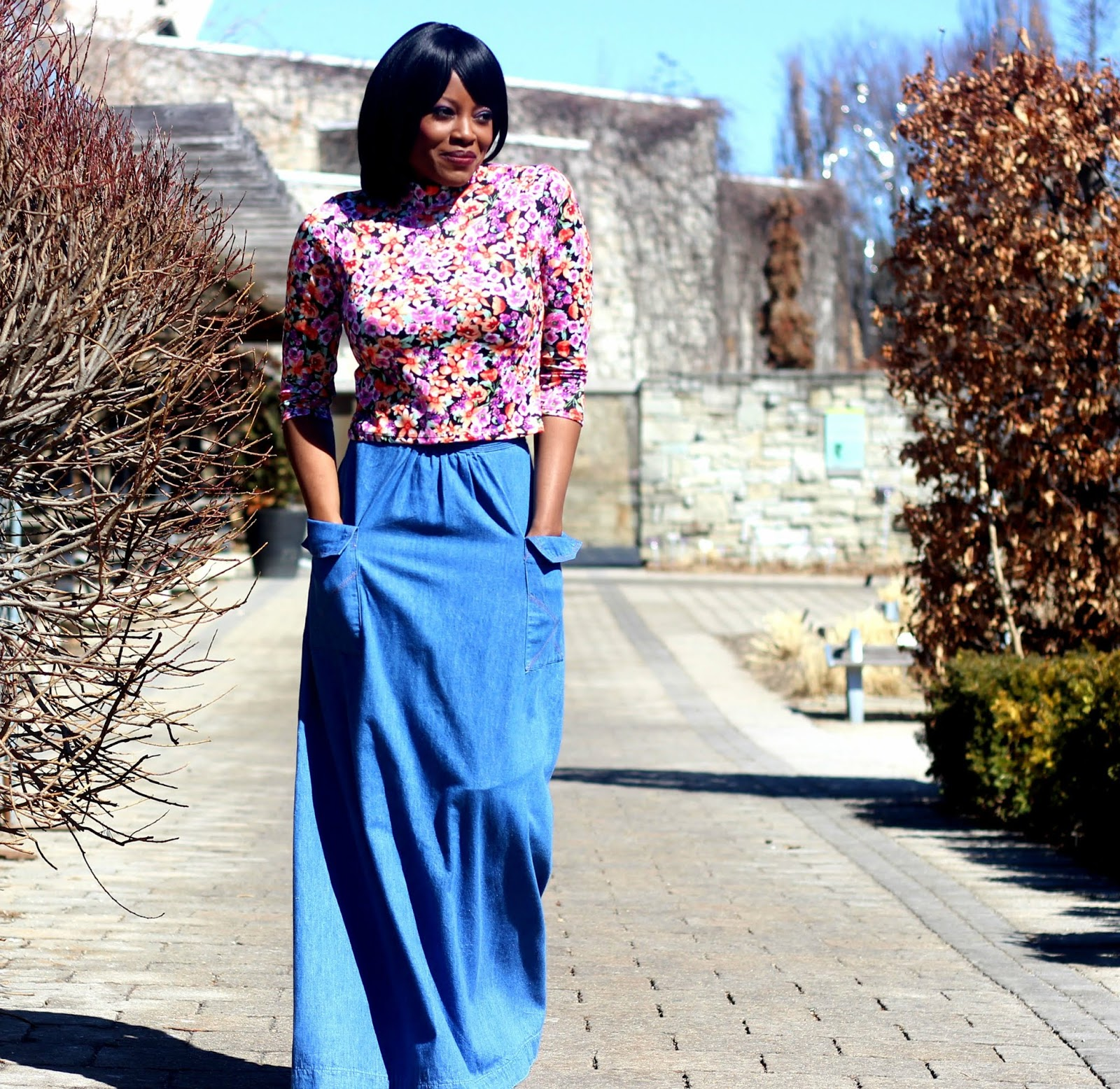 DEAR DENIM SKIRT LOVERS, JUST LIKE SUMMER, YOU CAN WEAR A CROP TOP IN SPRING