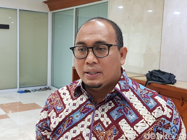Tim Prabowo Balas Puisi Sri Mulyani: Kalau Nggak Ikhlas Mundur Saja