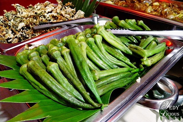 Steamed Okra at Mom's Pot Eat-All-You-Can