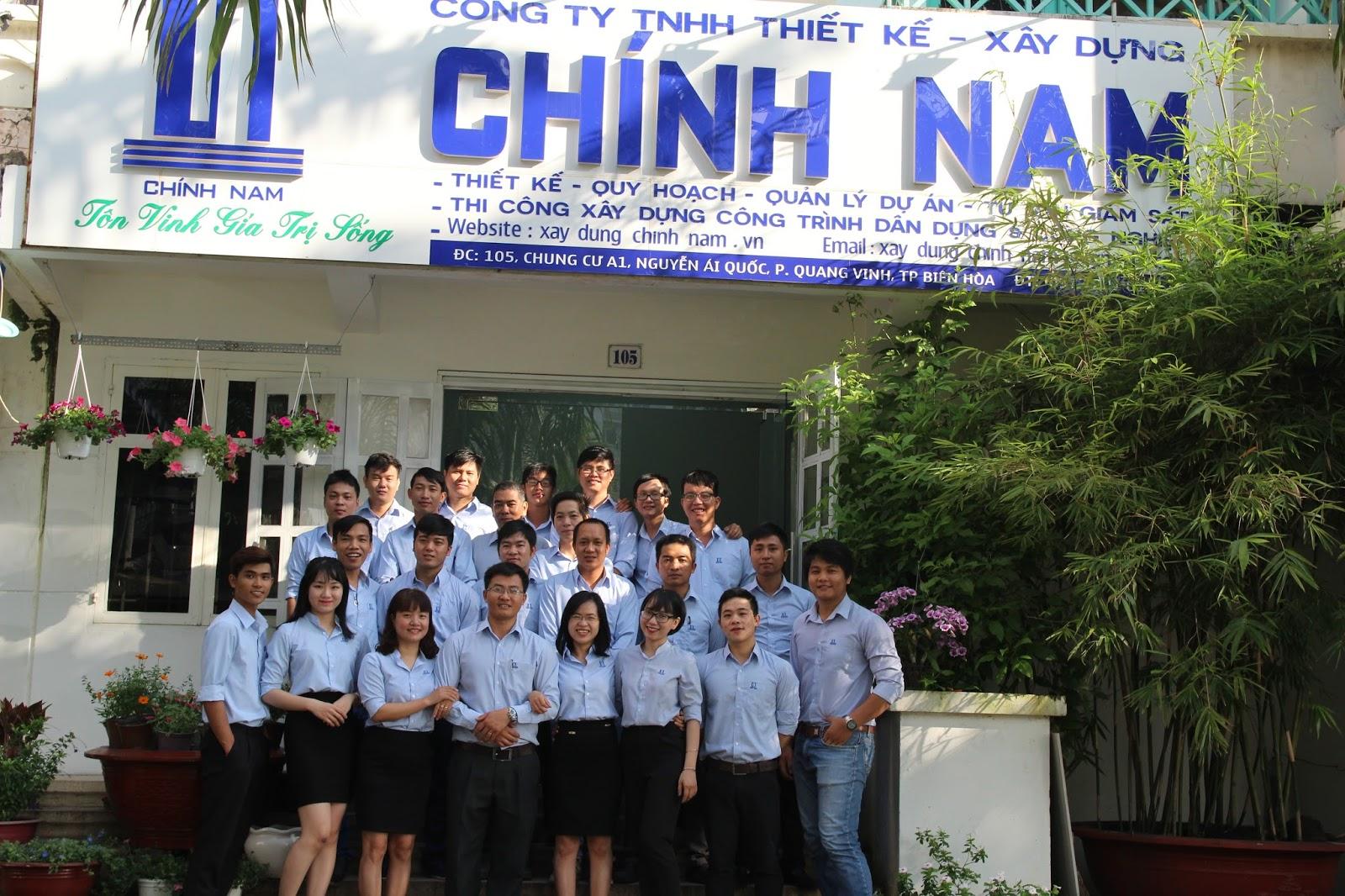 Đội ngũ kỹ sư, kiến trúc sư tại văn phòng số 01 công ty CHÍNH NAM